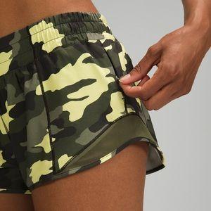 """Lululemon Hotty hot shorts2.5"""""""